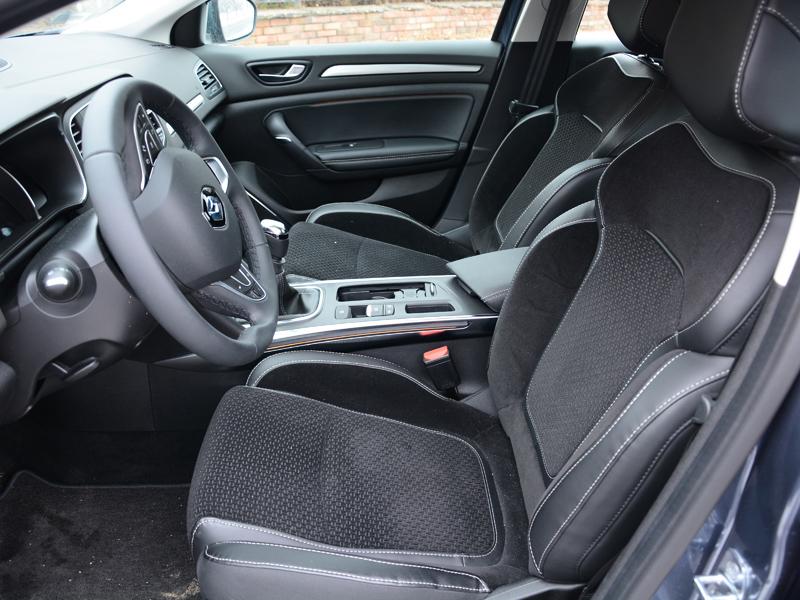 Renault Mégane GrandCoupé belső