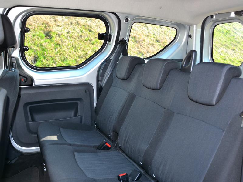 Dacia Dokker ülések