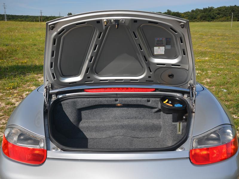 Porsche Boxster csomagtér