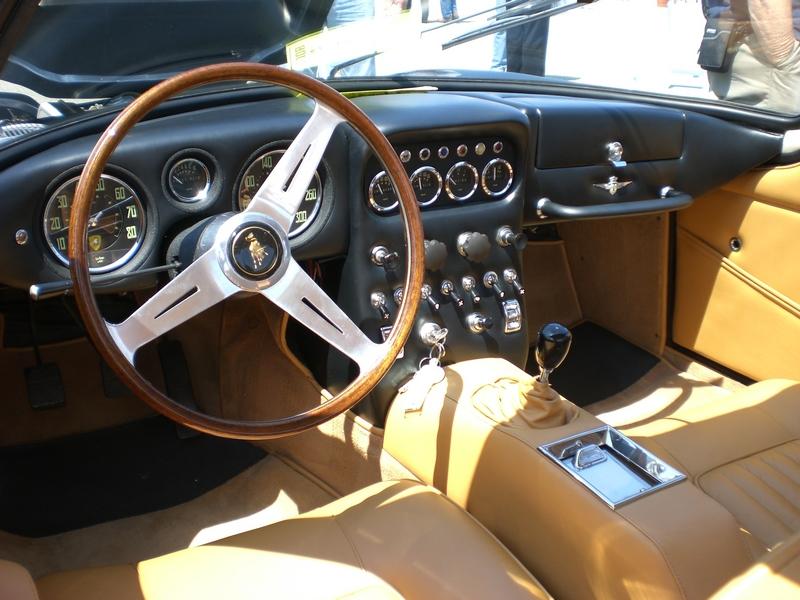 Lamborghini 350 belső