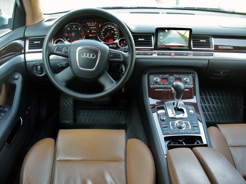Audi_A8_4_2_TDI_quattro_tiptronic_Interieur