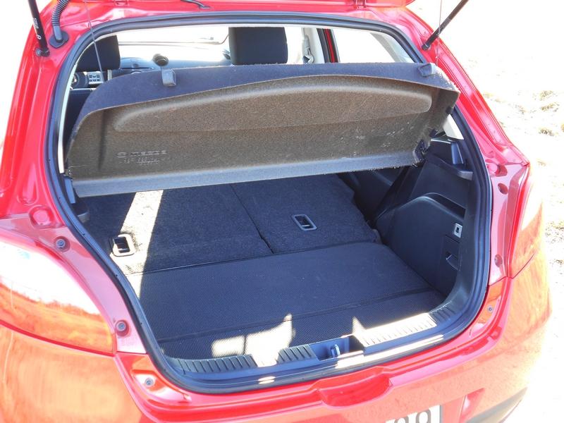 Mazda 2 GT csomagtér