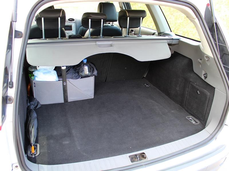 Ford Focus csomagtartó