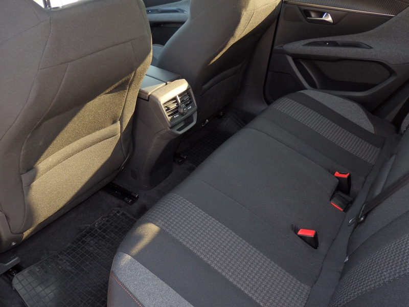 Peugeot 3008 belső