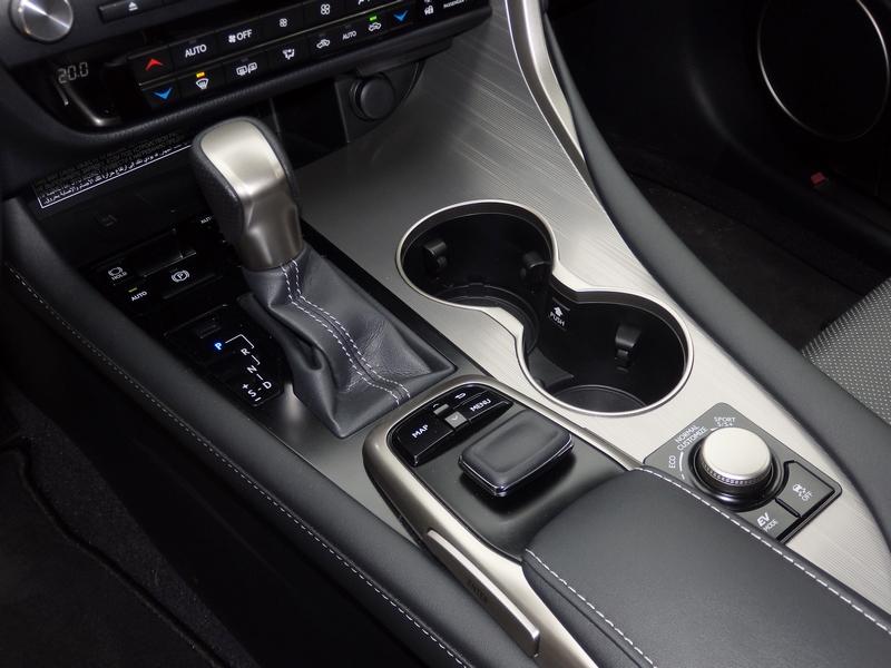 Lexus RX 450h F Sport belső