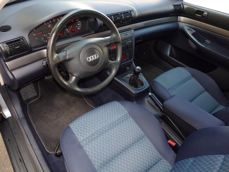 Audi A4 Quattro belső