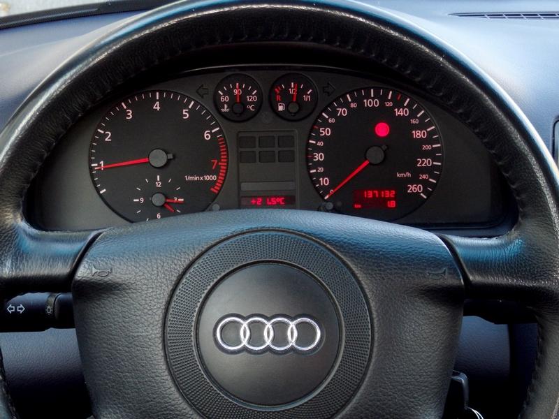 Audi A4 Quattro műszerfal