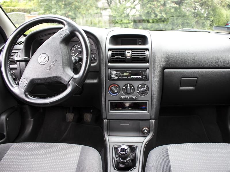 Opel Astra Classic belső
