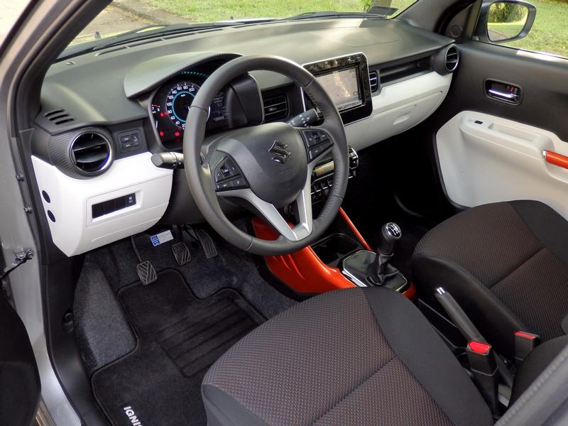Suzuki Ignis belső