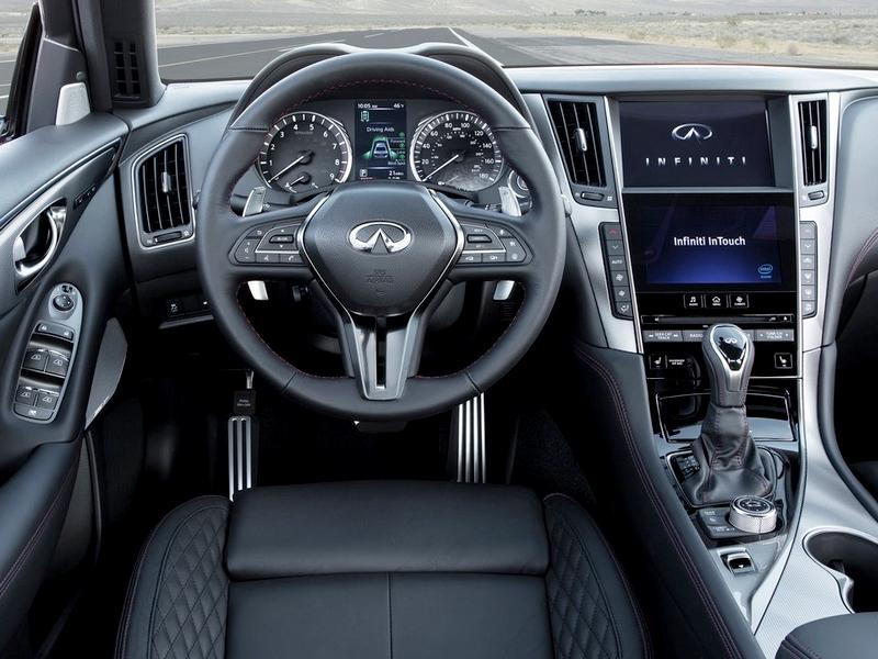 Infiniti Q50 belső