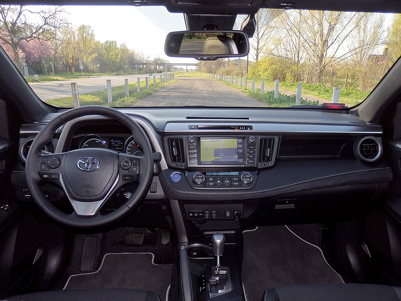 Toyota RAV4 Hybrid belső