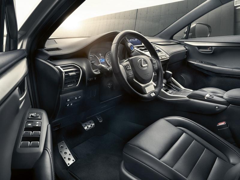 Lexus NX belső