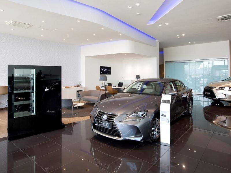 Lexus szalon