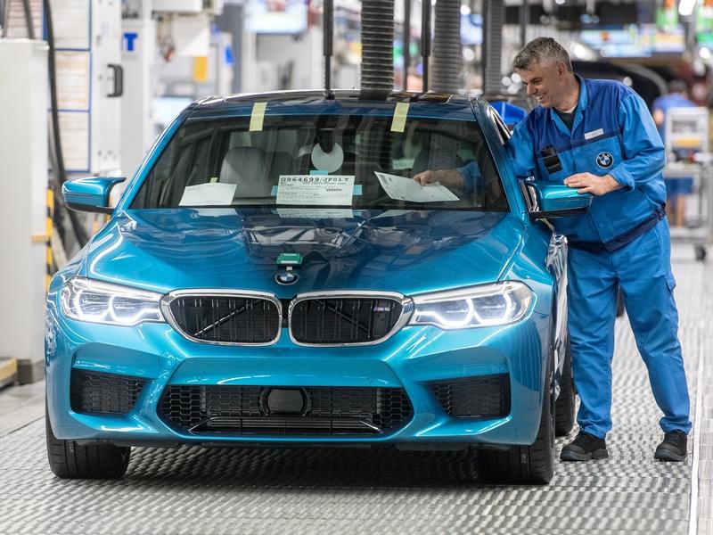 új BMW M5