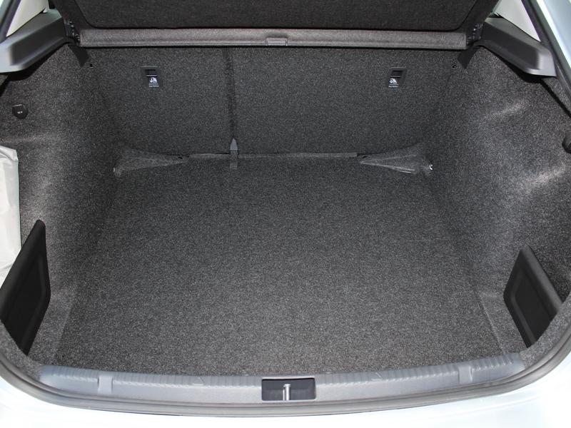 Škoda Rapid csomagtér