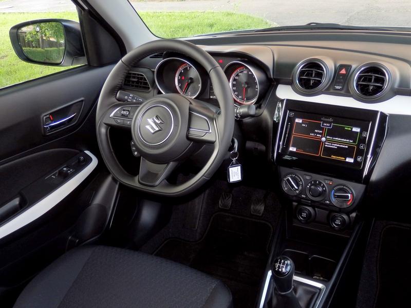 Suzuki Swift belső