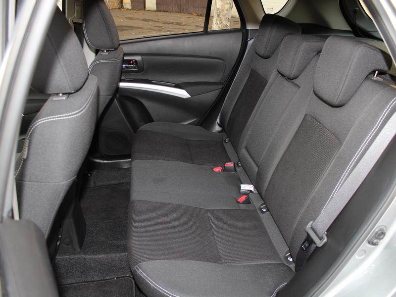 SX4 S-Cross ülések