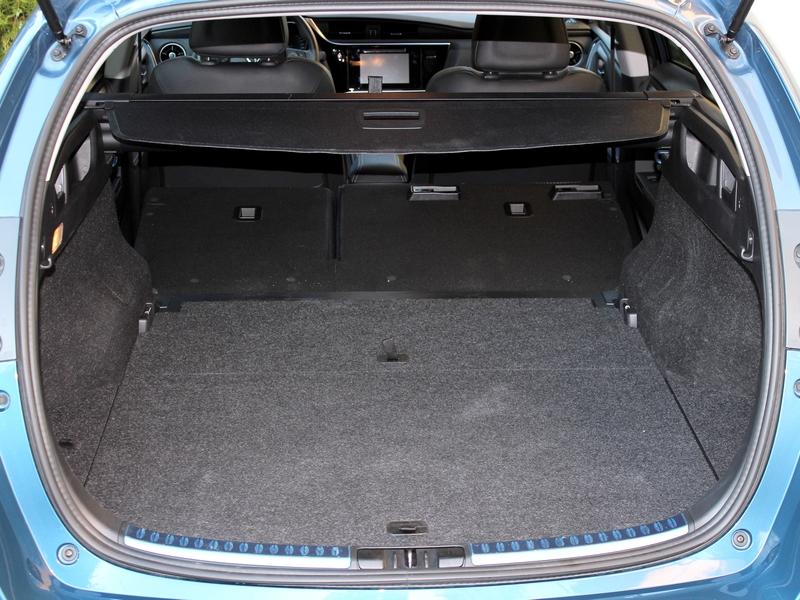 Toyota Auris csomagtér