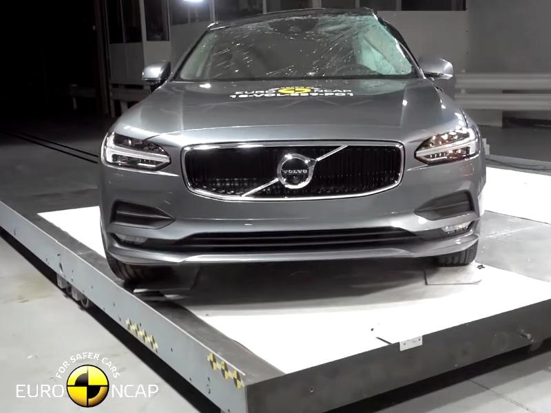 Volvo S90 törésteszt