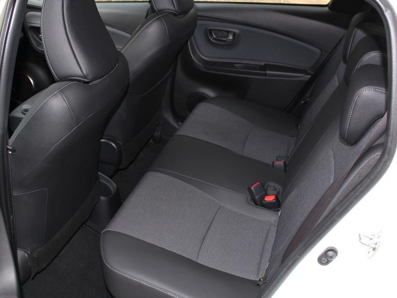 Toyota Yaris Hybrid ülés