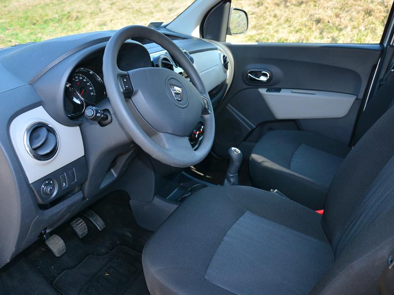 Dacia Dokker belső