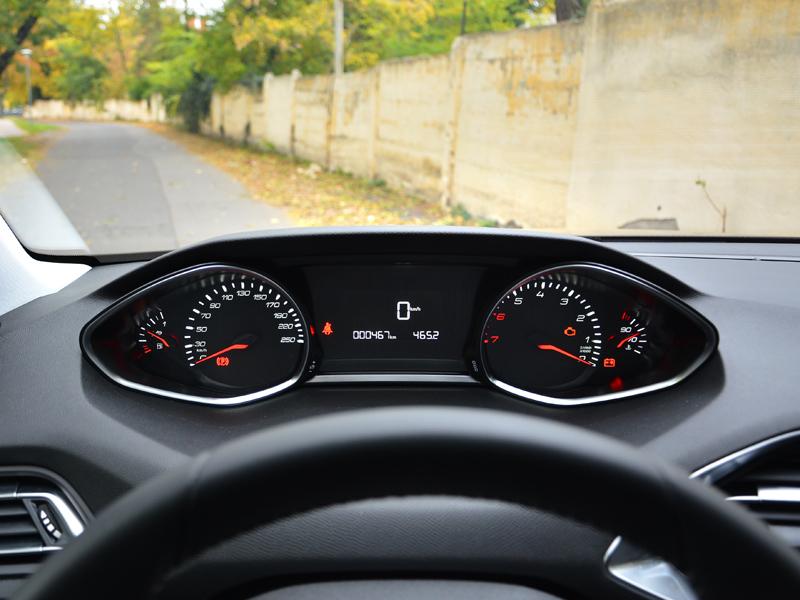 Peugeot 308 műszerfal