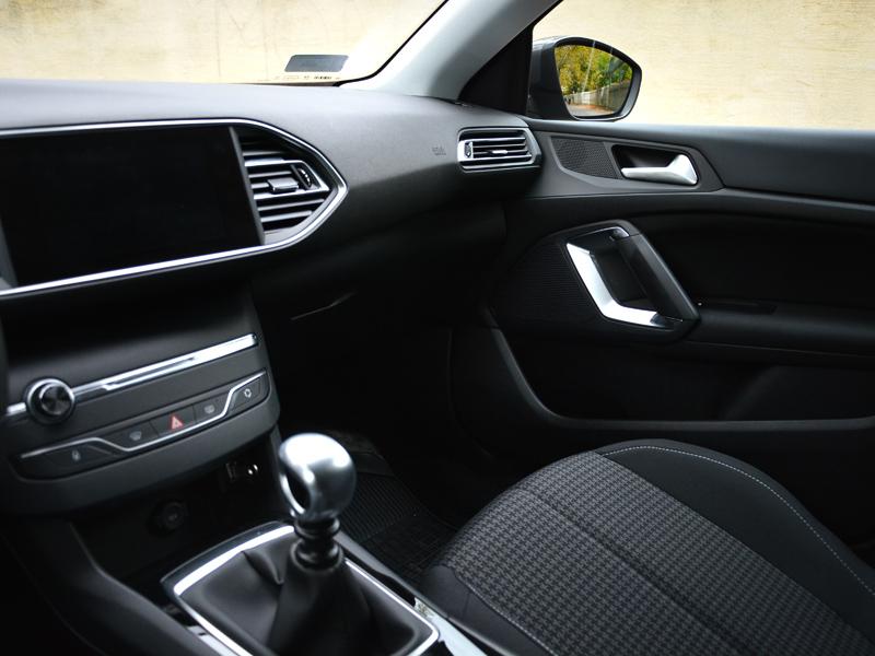 Peugeot 308 belső