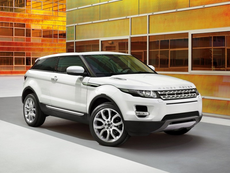 2011-Land-Rover-Range-Rover-Evoque-Front-Angle-View-800x600