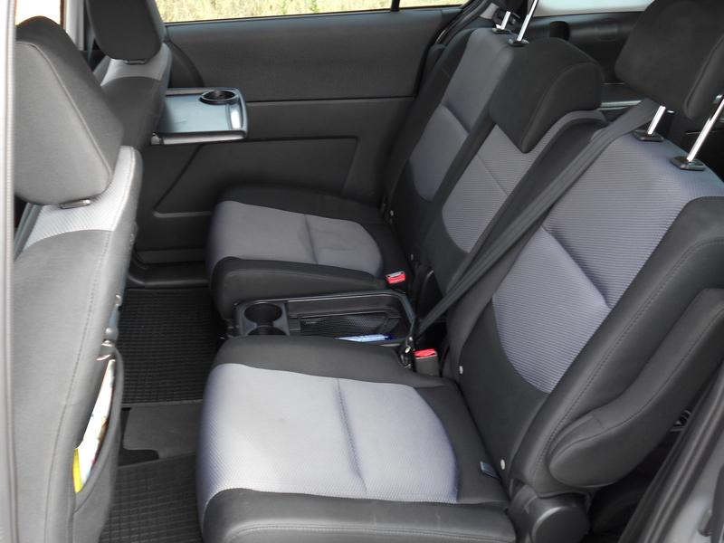 Mazda 5 ülések