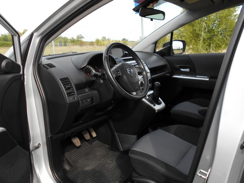 Mazda 5 belső