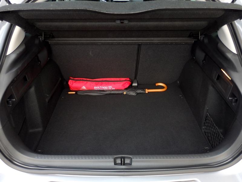 Citroën C4 belső csomagtartó
