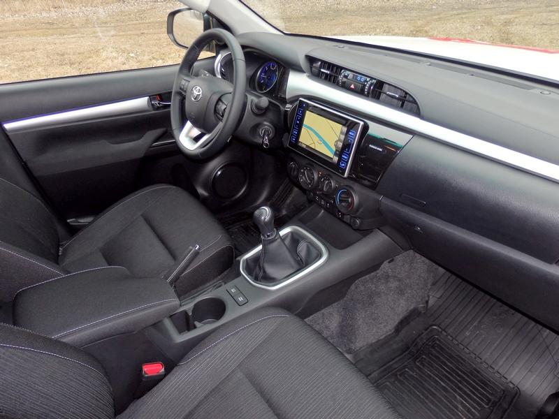 Toyota Hilux belső