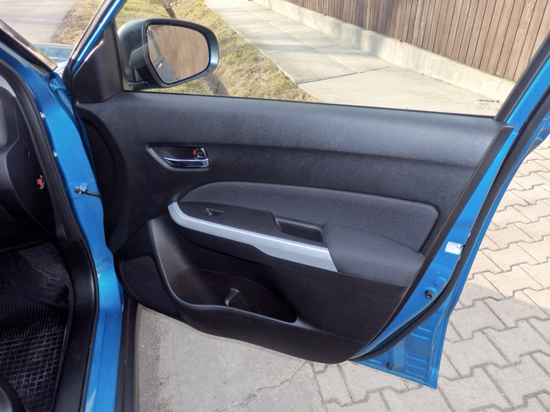 Suzuki Vitara ajtó