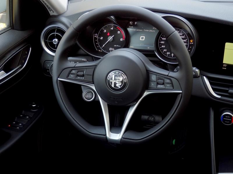 Alfa Romeo Giulia műszerfal