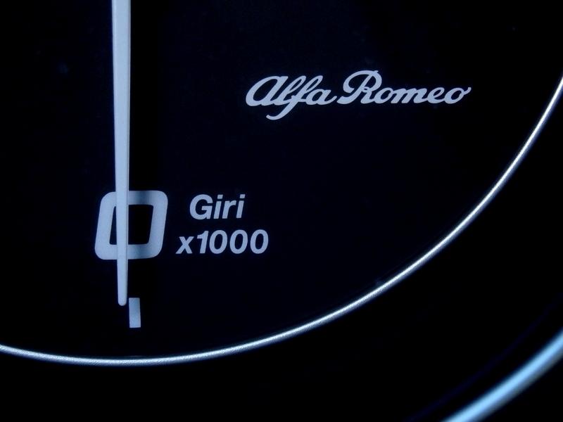 Alfa Romeo Giulia fordulatszám mérő