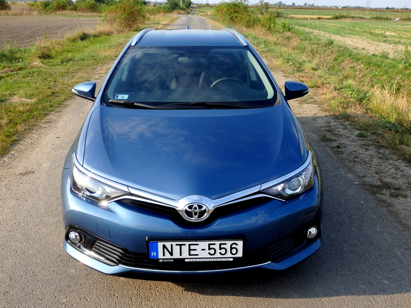 Photo of Mindenki kombija – Toyota Auris Touring Sports