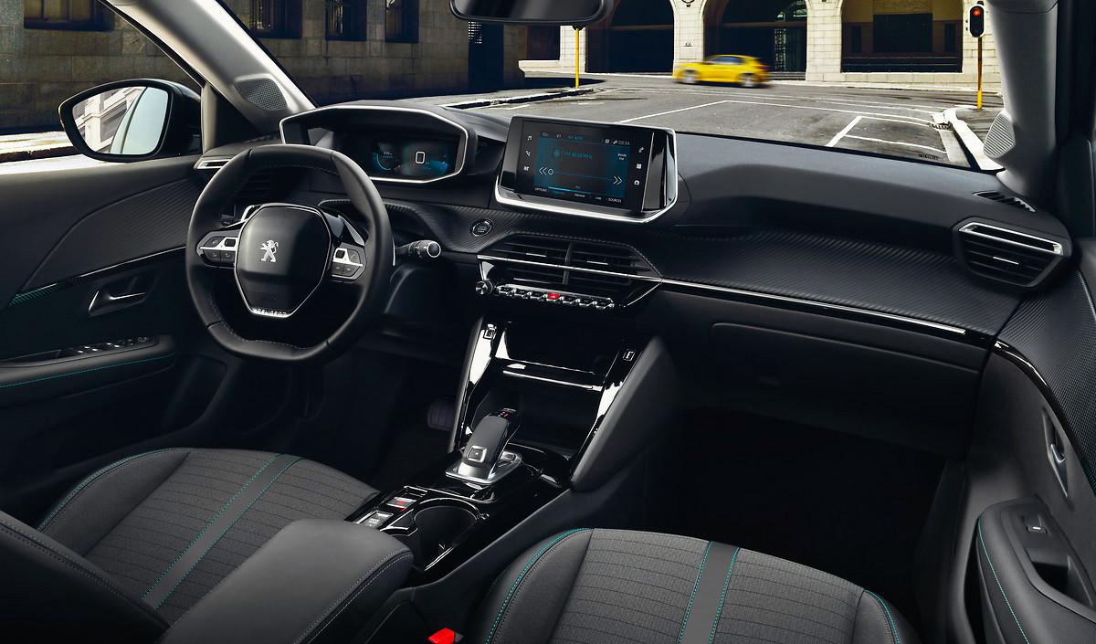 Peugeot_208_interior