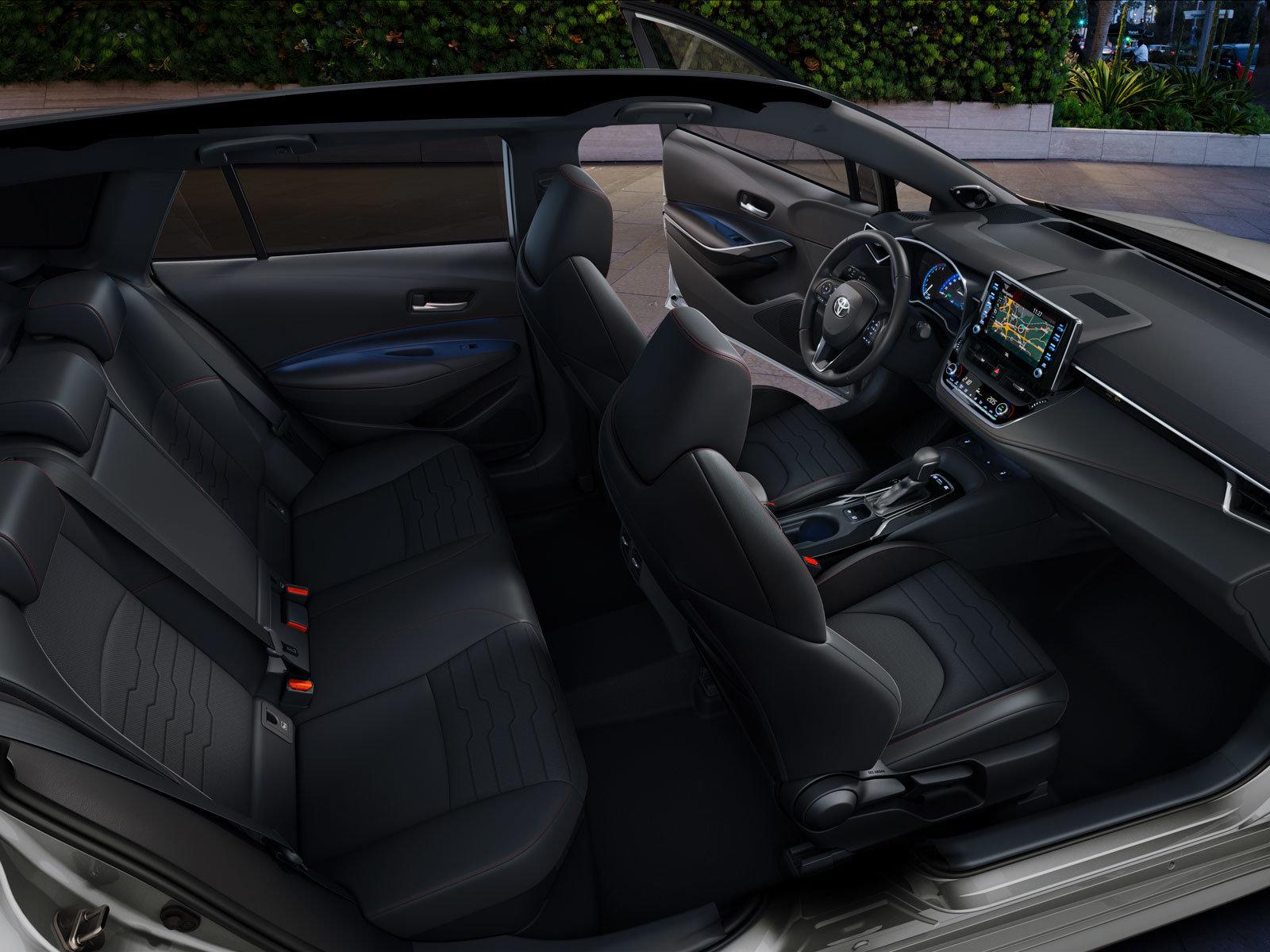 Playboy az év autója Toyota Corolla Touring Sports