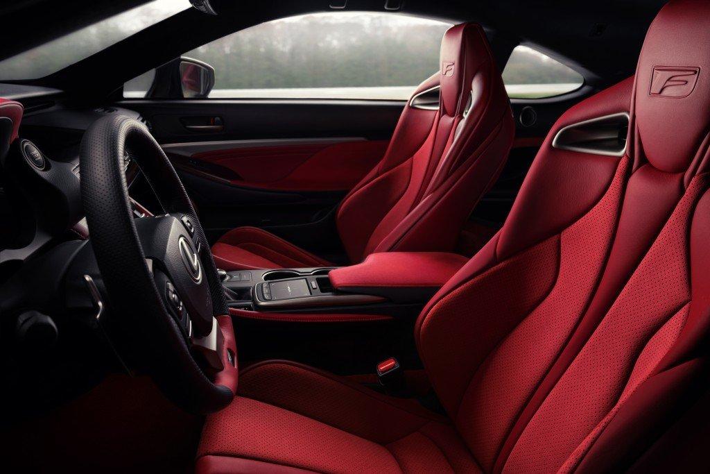 Playboy az év autója Lexus RC F Track Edition