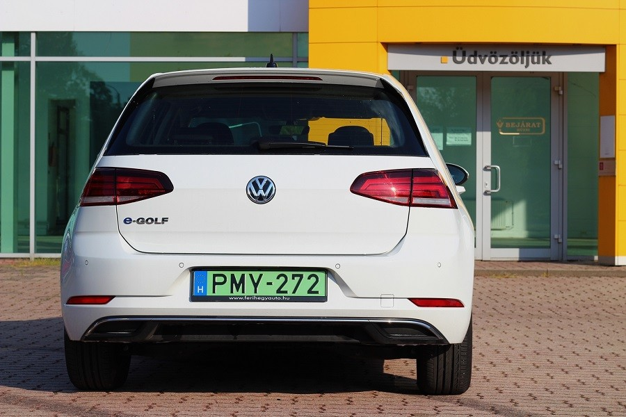 VW e-golf_hátulja