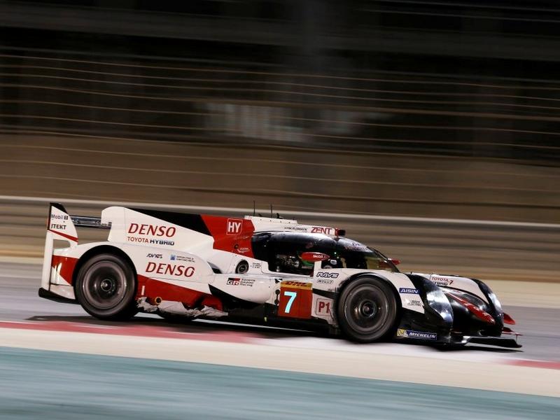 Photo of Toyota versenygépet tesztelt Alonso
