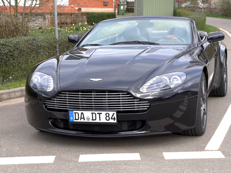 Photo of Aston Martin V8 Vantage Roadster