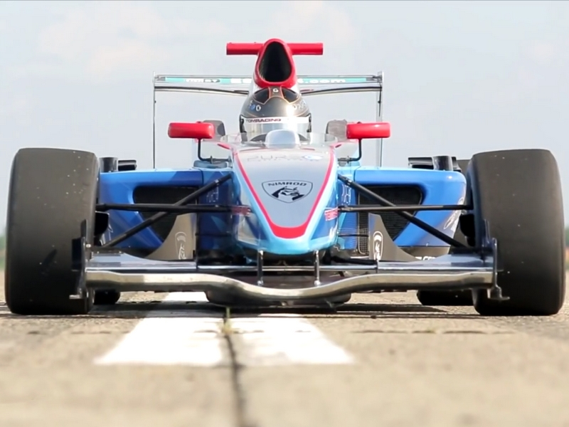 Photo of Formula-3 versenyautó