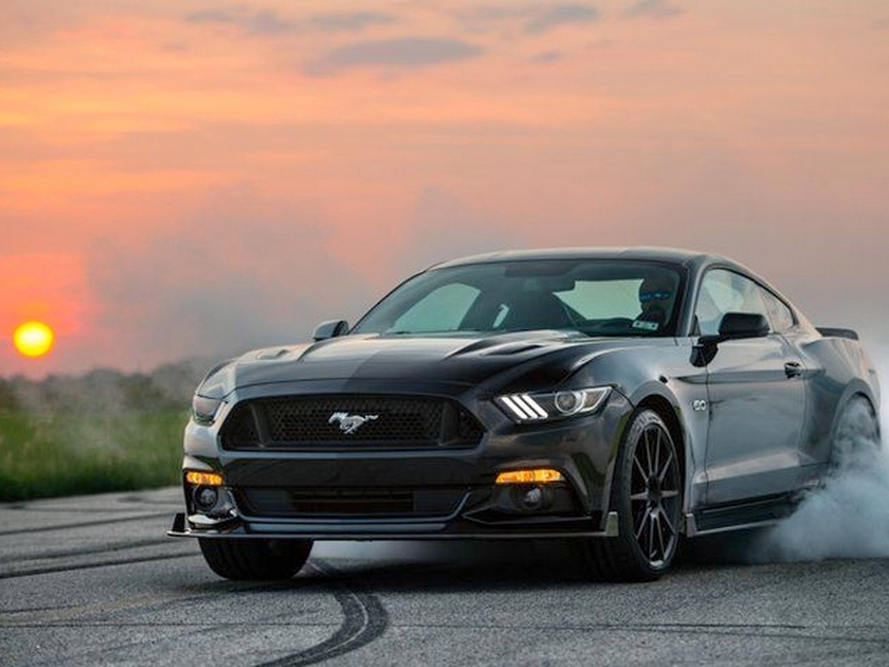 Photo of Íme a 774 lovas Hennessey Mustang