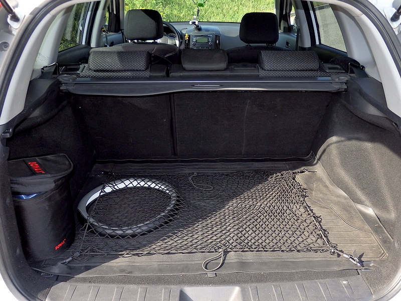 Hyundai i30u csomagtartó