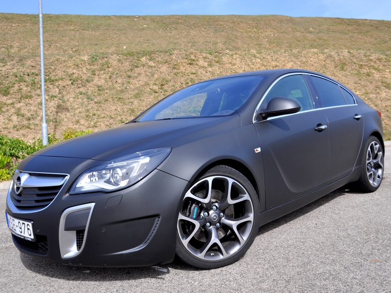 Photo of Opel Insignia OPC Unlimited teszt – 325 ló, ha megindul