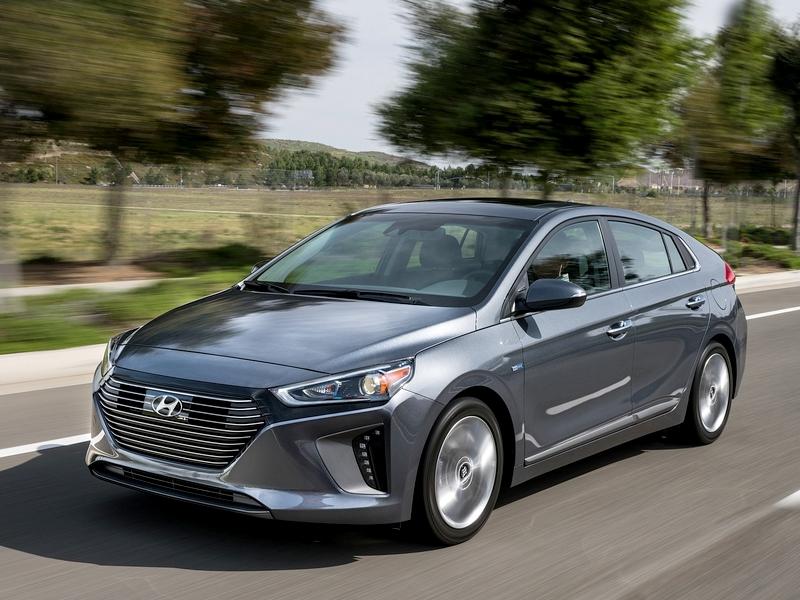 Photo of Hyundai Ioniq – Prius-ellenfél