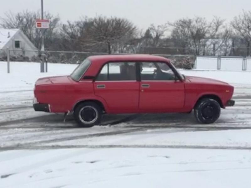 Photo of Lada 2107 – otthon van a hóban