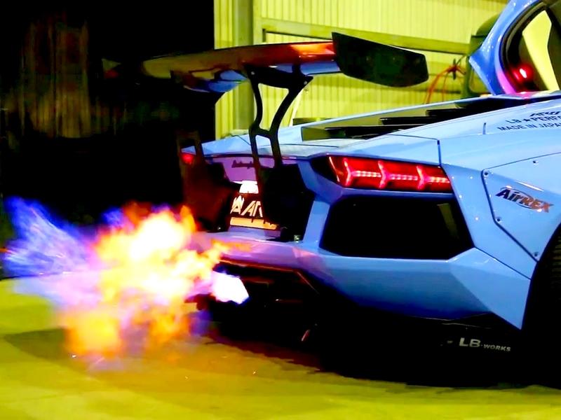 Photo of Így okádja a lángokat egy Lambo Aventador