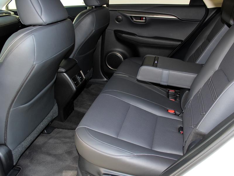 Lexus NX 300h ülés